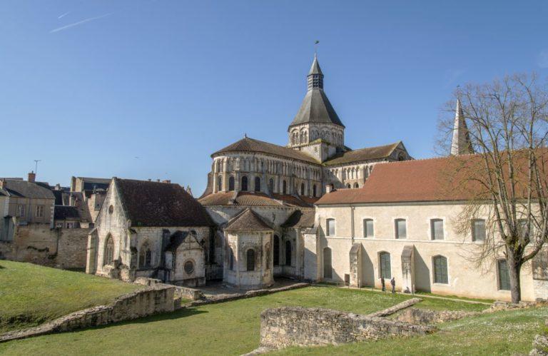 Le prieuré de la Charité-sur-Loire vu depuis le jardin des Bénédictines © D.R.