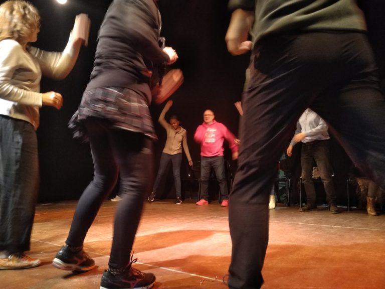 Atelier théâtre avec Cédric Mulamba et Richard Grolleau au Théâtre Les Bretranges le 13 novembre 2018 ©Marina Gabrion