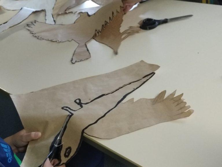 Les oiseaux du Bonheur, installation mobile créée par des enfants © Marina Gabrion
